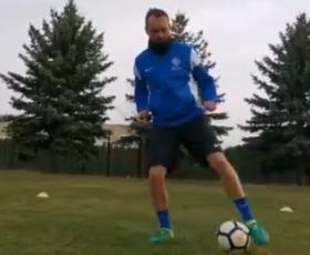 Embedded thumbnail for Individuální fotbalový trénink